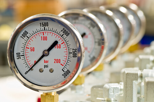 calibrating pressure gages